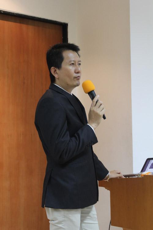 Junaidi Lim Presentasi di depan Mahasiswa UC : Calon Entrepreneur Muda