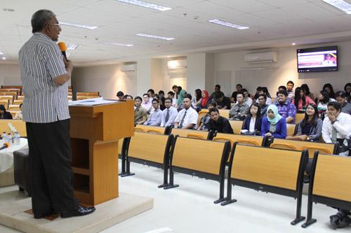 Alwi sekretaris daerah pamekasan di universitas ciputra