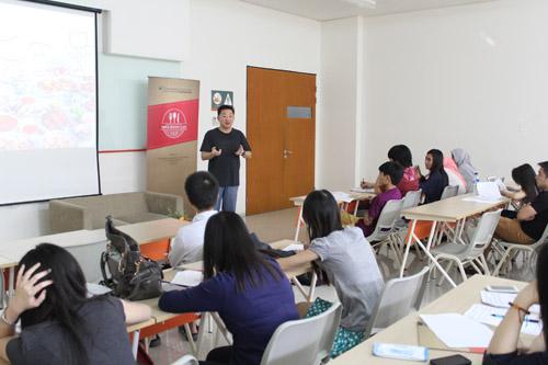 Darma Santoso sharing untuk mahasiswa UC tentang pengalaman bisnisnya