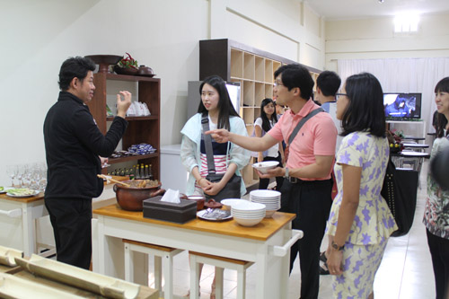 Kunjungan ke Entrepreneurs Club Mahasiswa Dongseo University