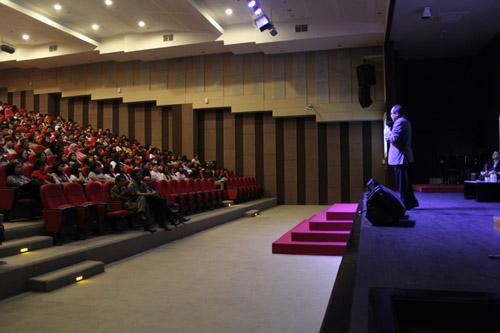 Corporate GM Albertus Irwan Sendjaja di Universitas Ciputra share ilmu