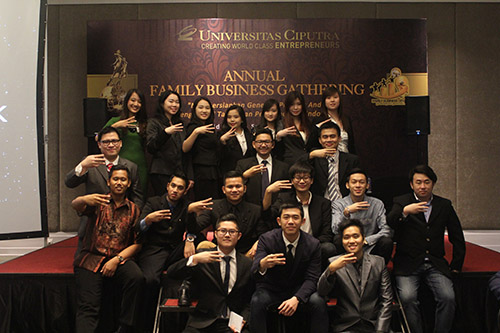 Mahasiswa Family Business